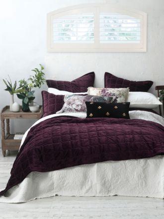 Meeka Port Coverlet Set